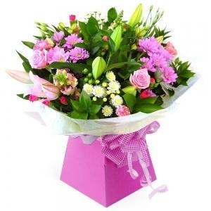 Ashleigh Hand Tied with Free Candle