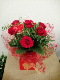 6 Red Rose Handtied